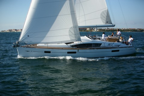 New Jeanneau Sun Odyssey 42 DS Sleek Hull, Smart Space, Yacht Charter, BVI